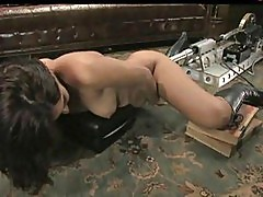 Isis love squirting on fuckingmachine s