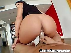 Busty Mariah Milano Gets Her Amazing Part1
