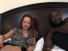 Mature sweethearts takes on big black schlong in Interracial video